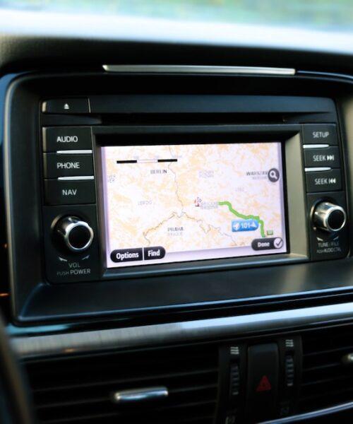 8 Reasons to Use a GPS Tracker